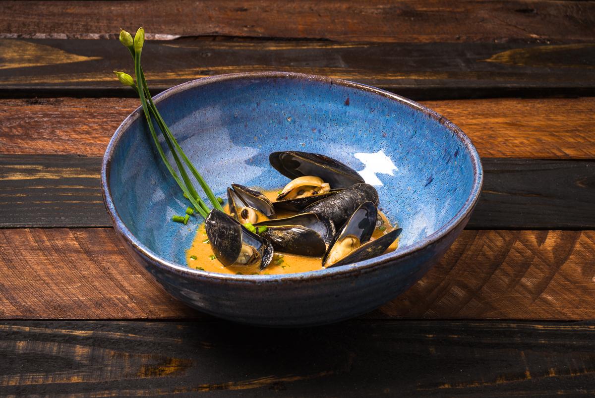 Sake Steamed Mussels