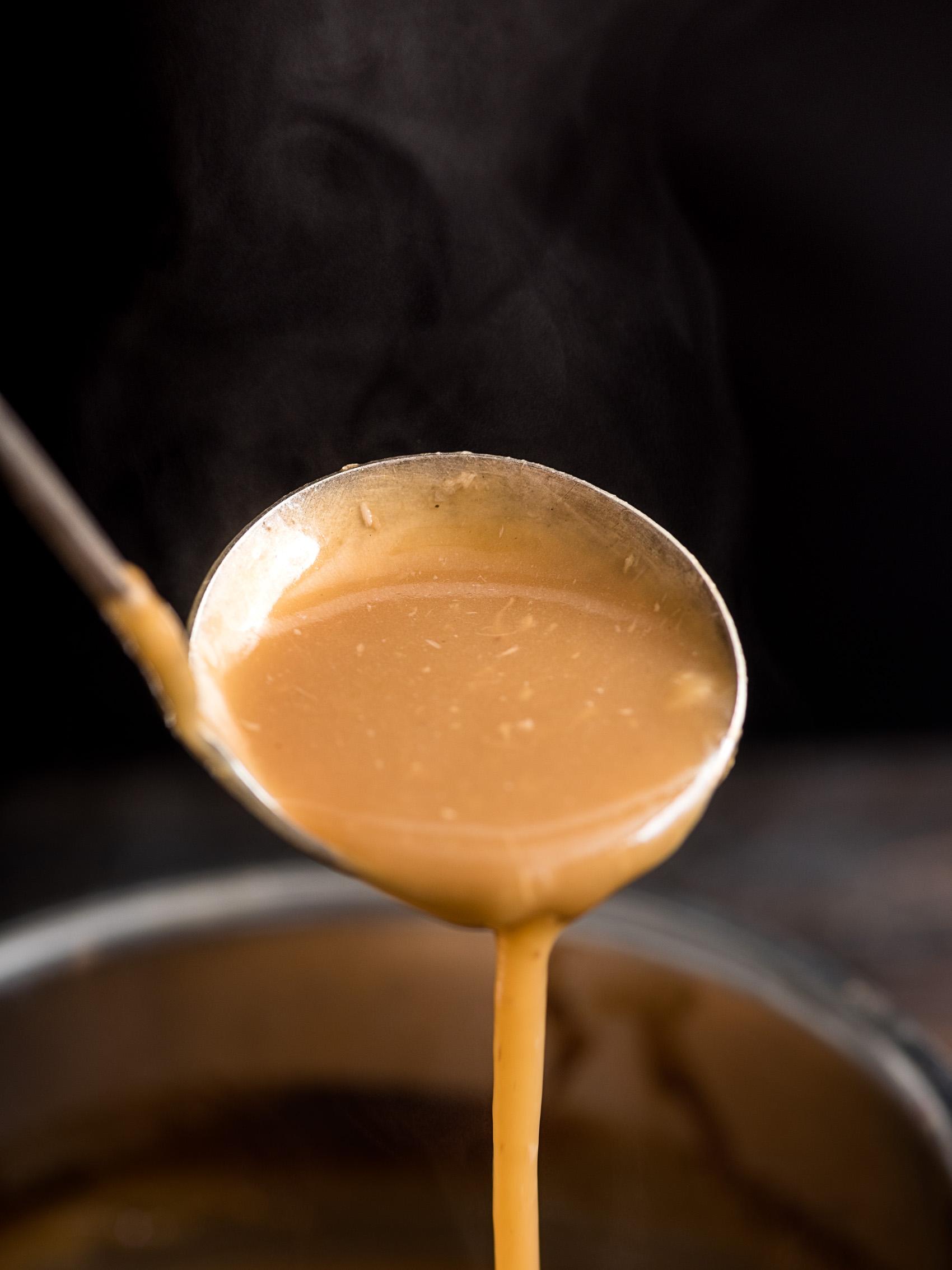 Roasted-garlic-gravy