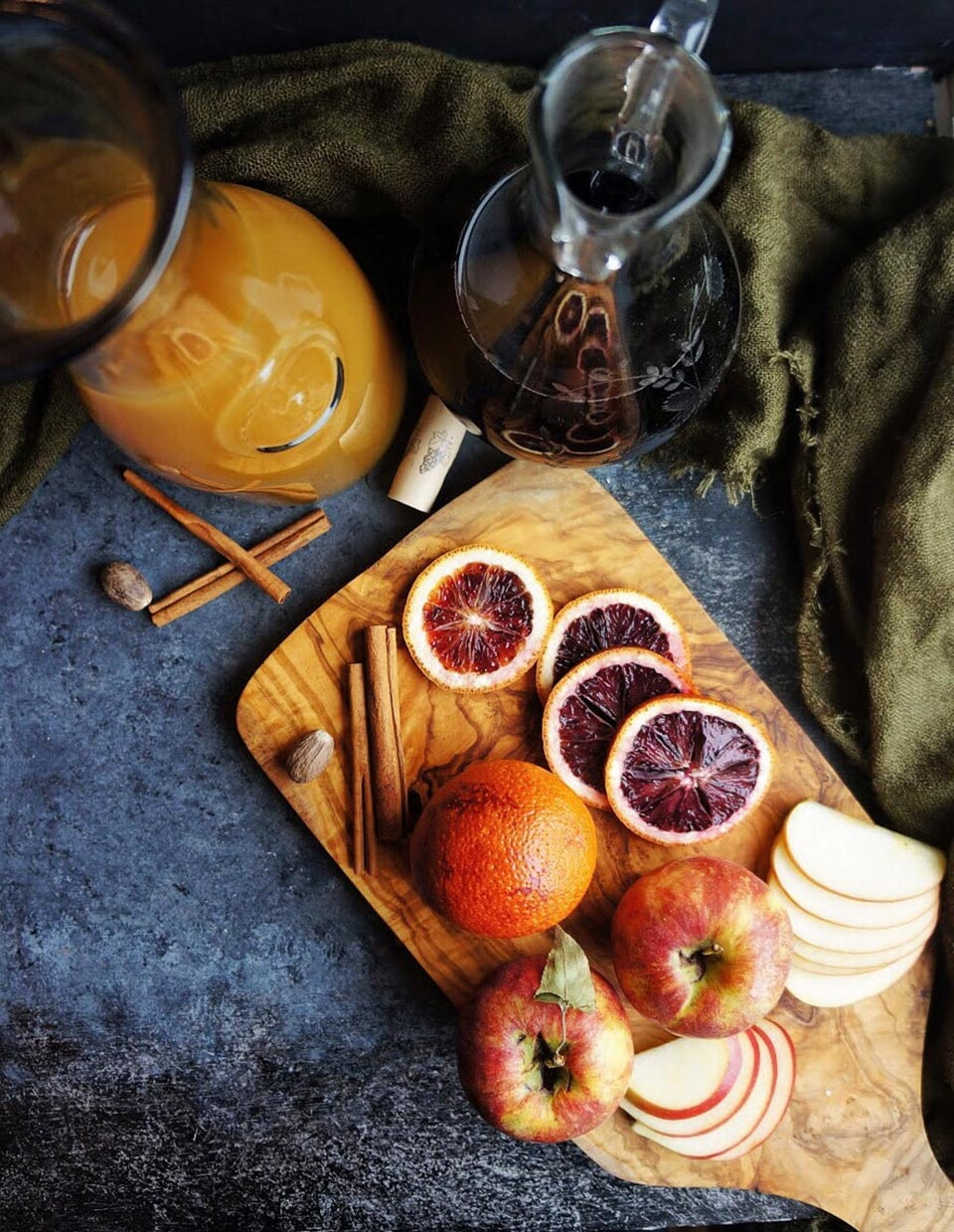 Spooky Halloween Cocktails 2018 Red Wine Sangria