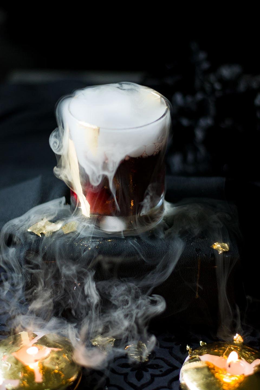 Spooky Halloween Cocktails Vampire's Kiss